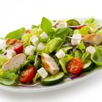 Salade accompagnée de fromage